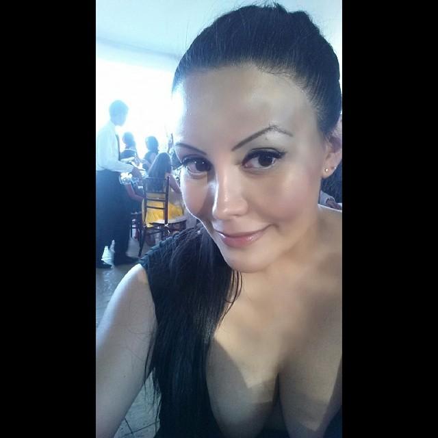 alicia gaona selfie wedding