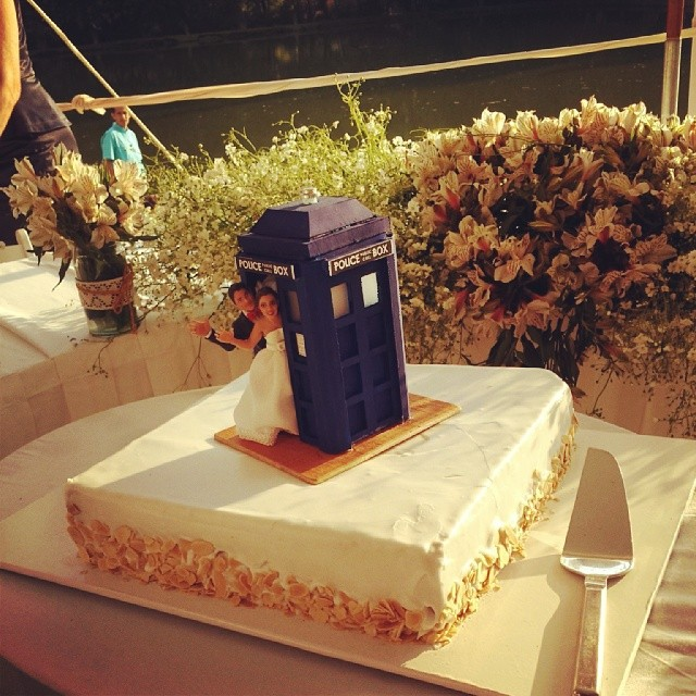 dr who wedding cake 2