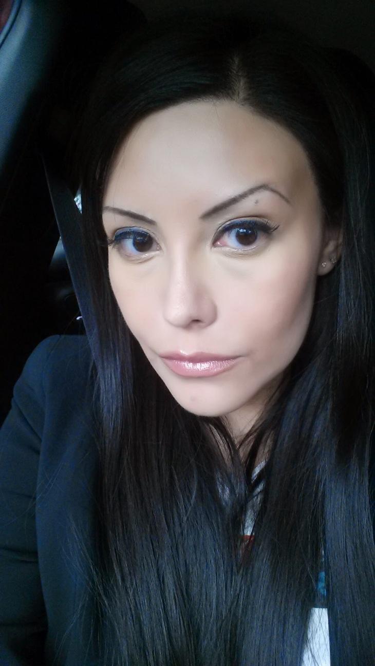 alicia selfie