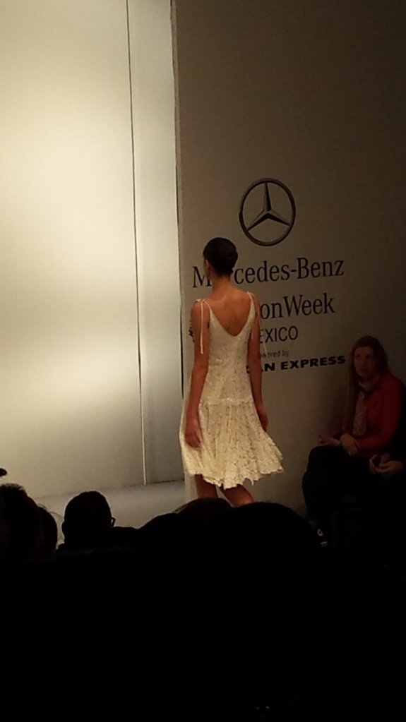 4mercedes-benz-fashion-week-look2