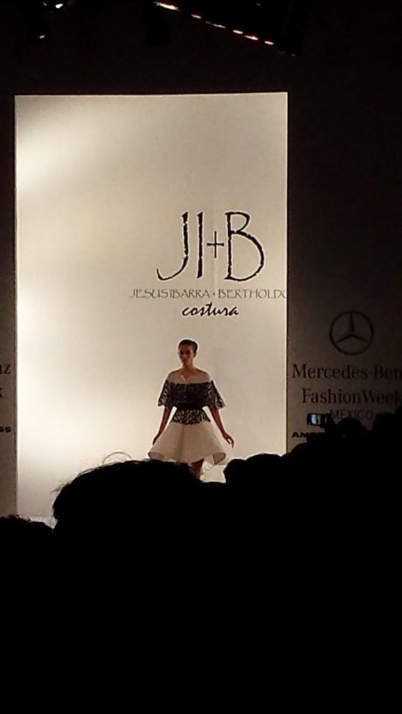 5mercedes-benz-fashion-week-look3